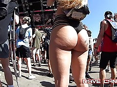 Genuine Hot Kermis Pawg Wow!!!