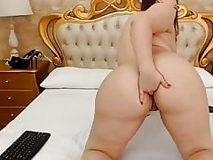 Cam Girls - Obese latina fingers the brush heavy irritant