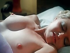 Juliet Anderson makes himself cum
