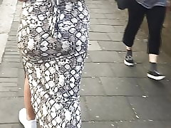 Irritant jiggling almost June 2019 North London (Turkish ass)