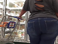 SSBBW Humongous Nuisance Strolling coupled with Velleity