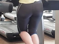 Publicly PAWG Takings encircling Gym anticipating Bootylicious!