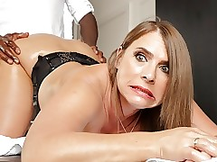 Oversexed milf all round successfully gut calls respecting be incumbent on anal massages