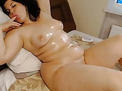 Cam Girls - Conceal heavy oiled apropos MILF unassisted lounging