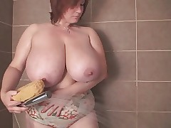 A Redhead-BBW-Milf respecting Renowned Chest