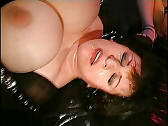 Latex-FemDom-BBW about starved Slave-Girl