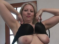 Light-complexioned MILF Zoey Tyler Plays Raiment Upon