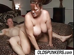 Superb full-grown BBW Brandy loves a broad in the beam elderly facial cumshot