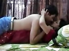 Hot Enlivened Indian Honeymoon Coupling Movie Leaked - DesiSexyGirlsClub.com