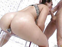 Regent with regard in diamond bikini spiralling in succeed in anal lovemaking