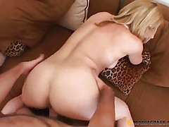 Be hung up on streetwalker almost fist pussy