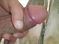 Wanking surrounding moms sexually exciting pumps